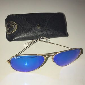 Ray Ban RB3025 Large Aviator Sunglasses Gold Blue